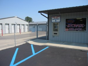 self storage investment opportunities in IL and NA