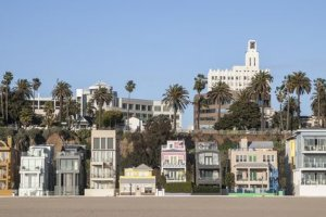Cyndie Buys Houses in CA