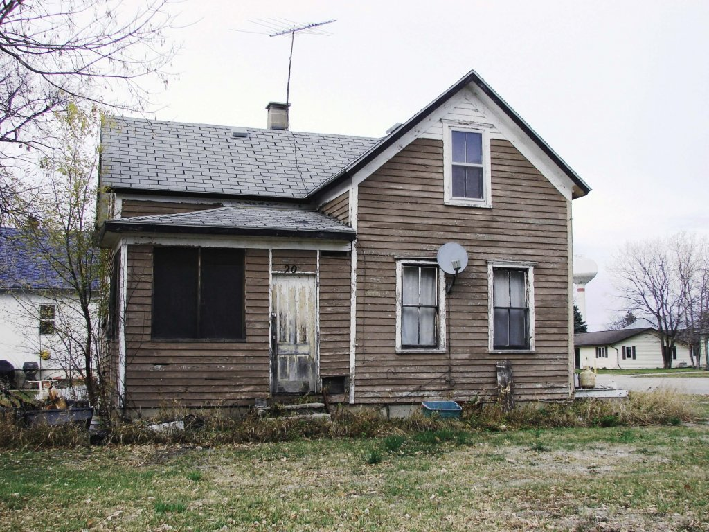 distressed property for sale in memphis
