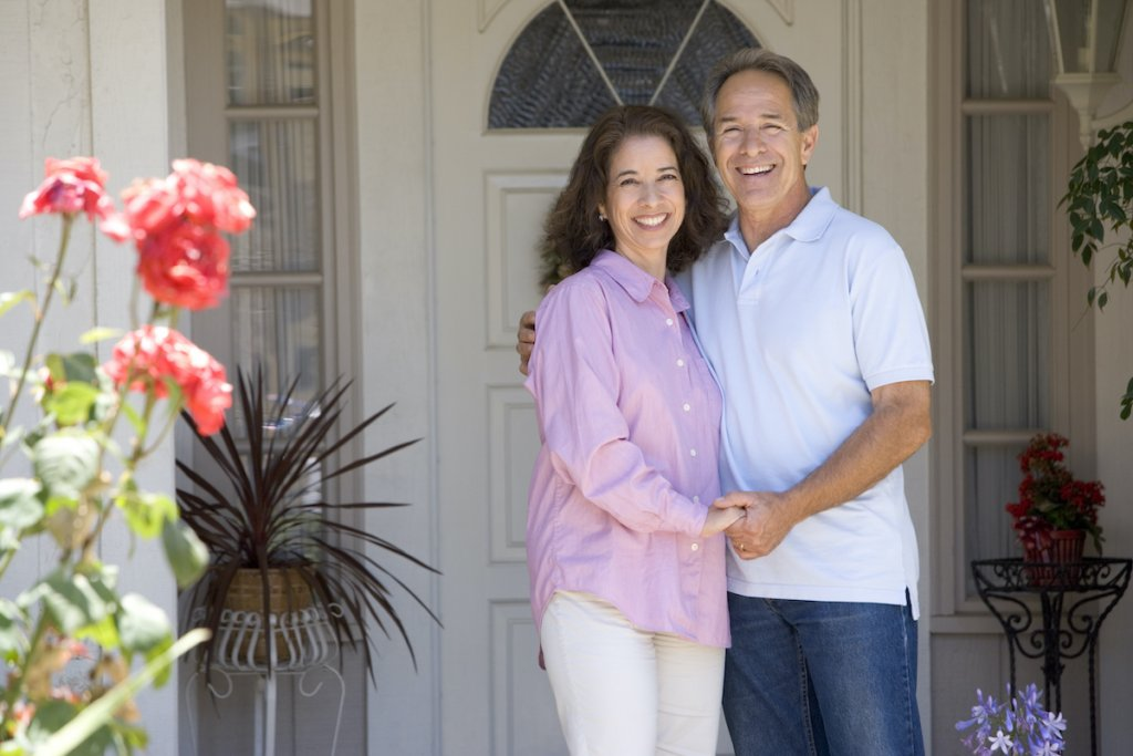 a happy couple who sold their house fast as is for cash in Memphis to Fair Cash Deal