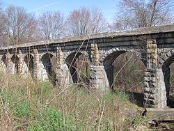 250px-Arch_Bridge,_Holliston_MA