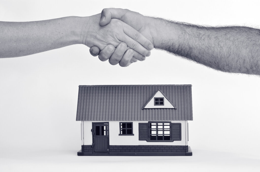 What you need to know about selling a home in Knoxville with owner financing.