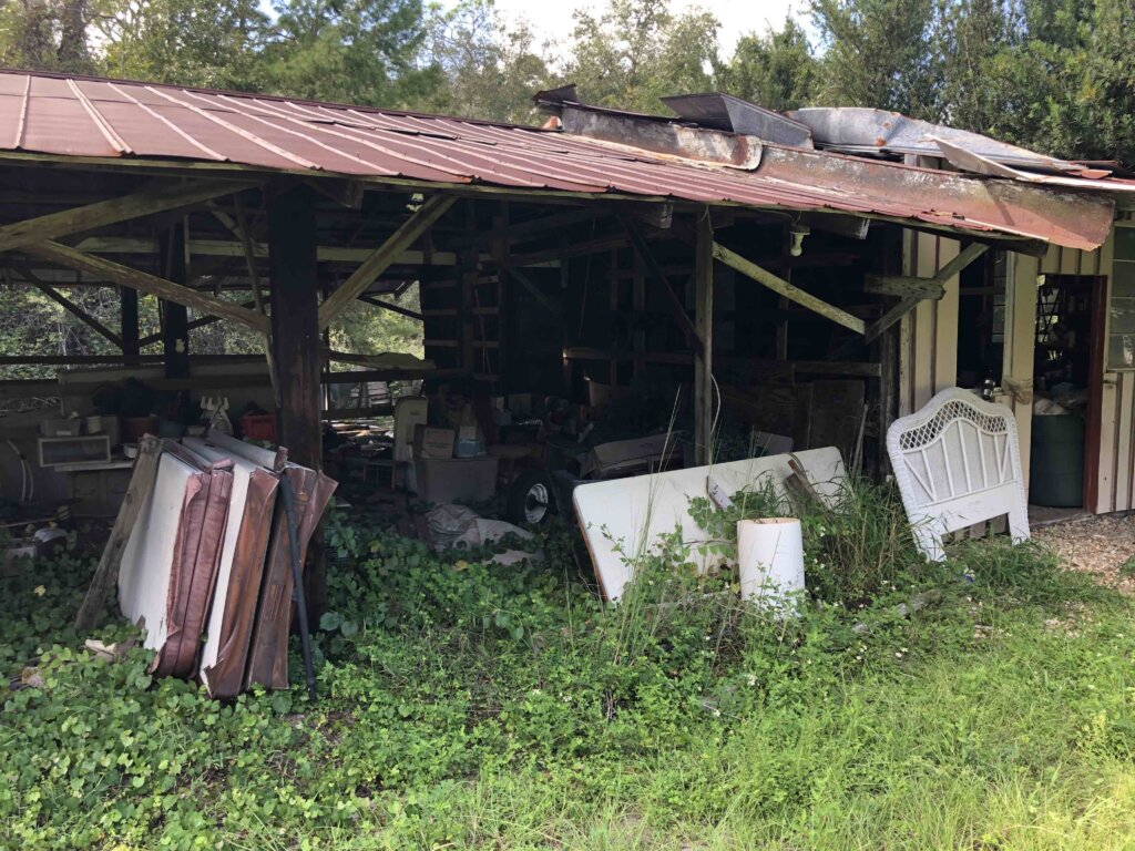 the pole barn of a house we bought in marion county florida