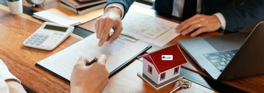 house buyers going over paperwork