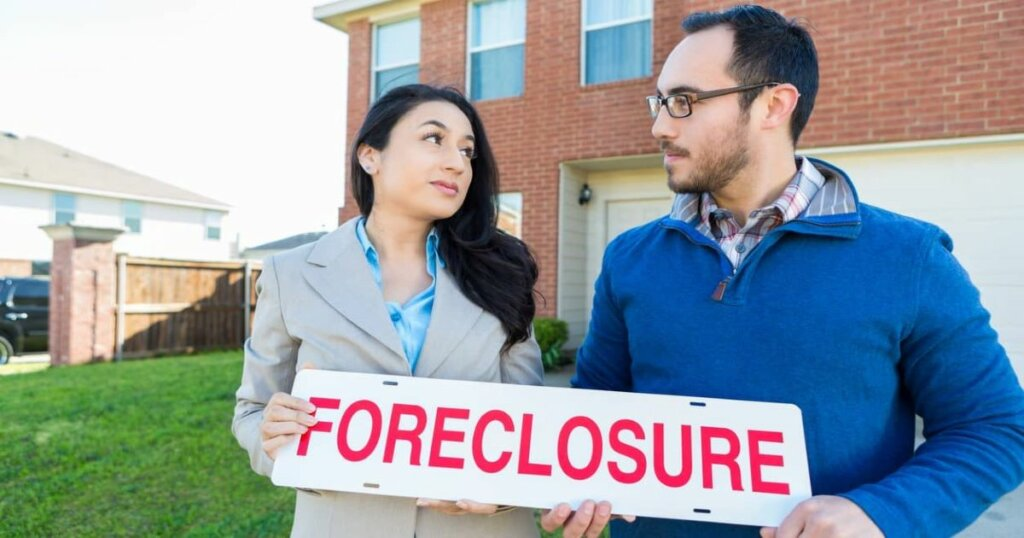 How to stay in my home after foreclosure man and woman