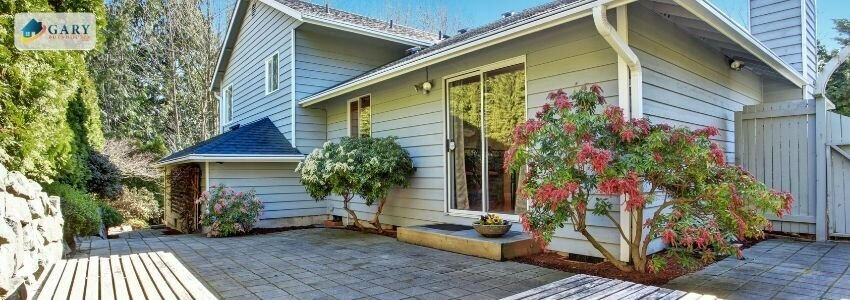 House-with-wooden-deck-rotten-Repairs-to-sell-a-house-fast-in-Utah