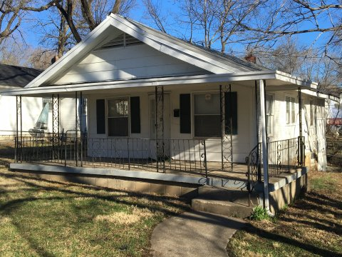 2306 E 58th St., Kansas City MO 64130