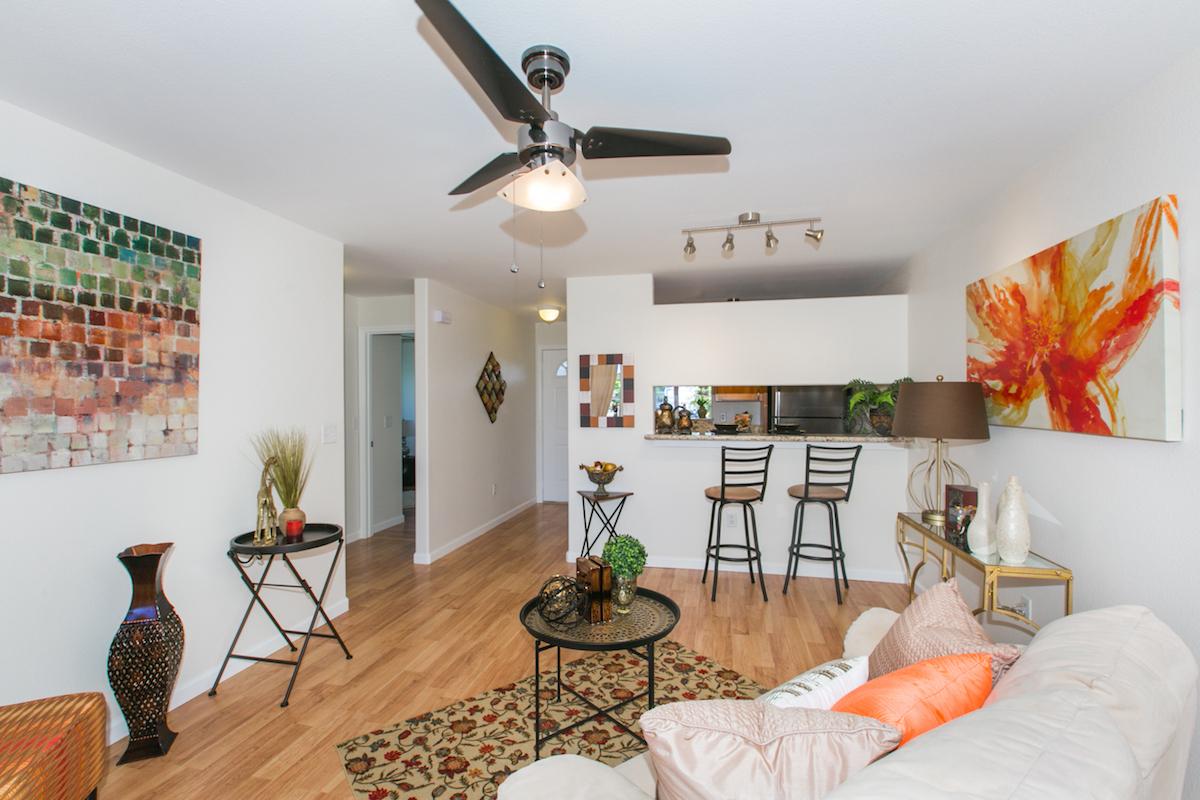 Waikele ViewPointe P104 - Living Room1