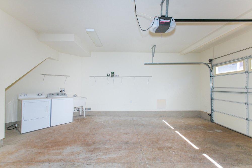Ewa Beach Laulani - Garage