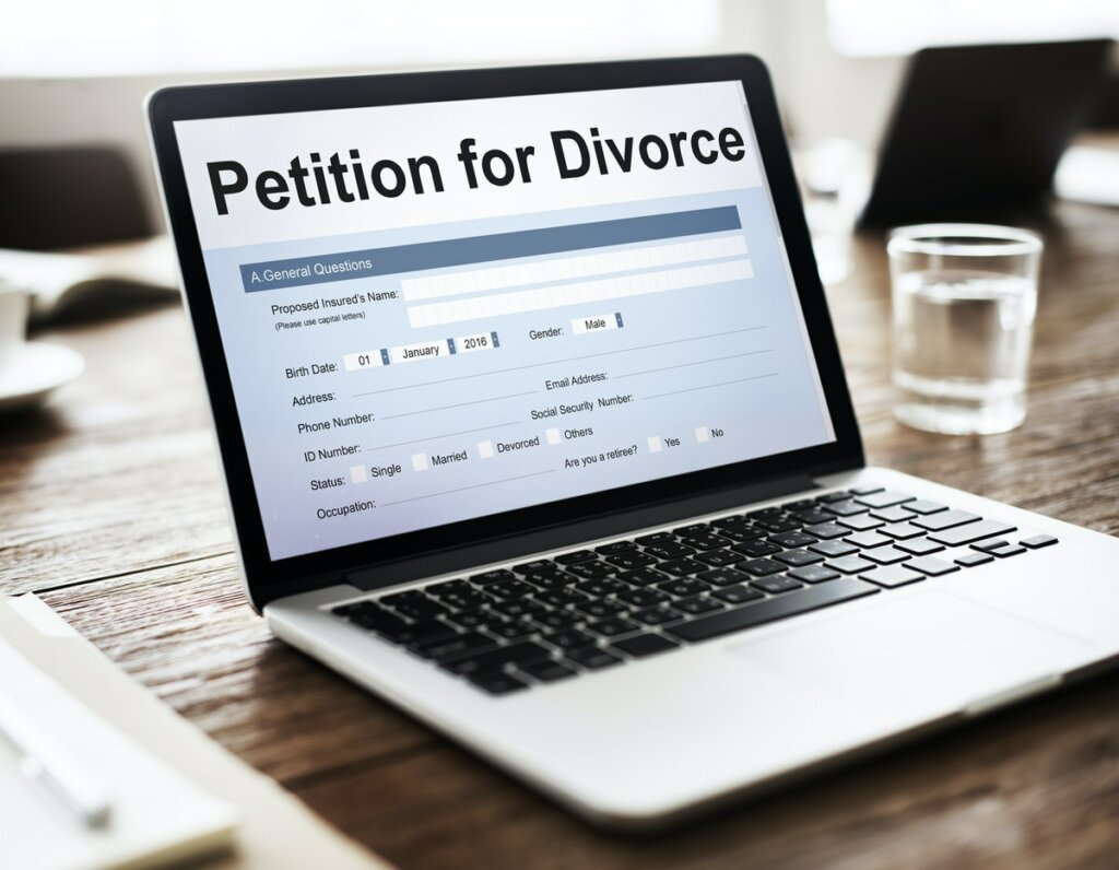 Selling Your Home During a Divorce in New Jersey