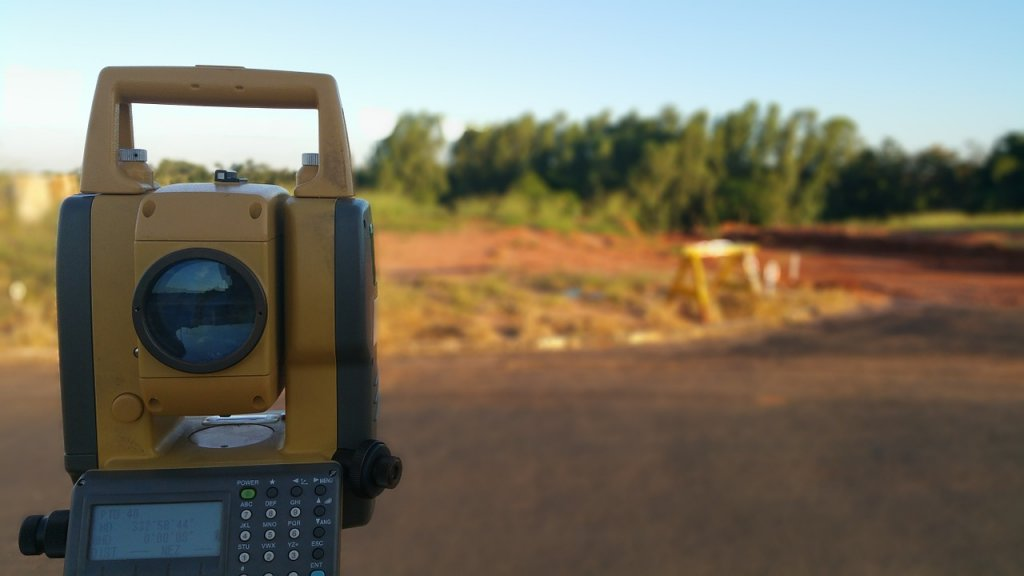 Who Pays When Selling Land surveying