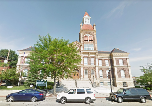 Pickaway County Courthouse Foreclosure Auction Location Circleville OH | Homesmith Buys Houses Circleville OH | Sell My House Fast Circleville OH | We Buy Houses Circleville OH | 1-877-HOMESMITH