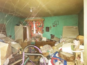 We Buy Hoarder Houses Columbus OH - Hoarder House Room