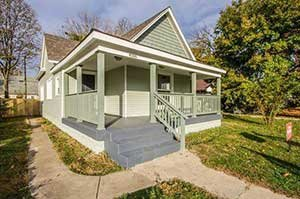 We buy houses Indianapolis, picture of wooden house
