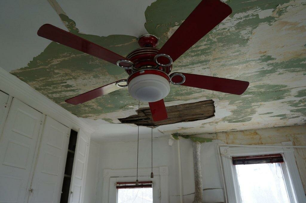 detroit house needs repairs before selling