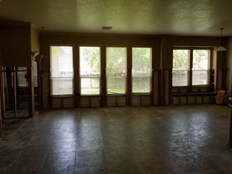 Homes For Sale In TX Houston 77090 – Elk River 4BR Living Room