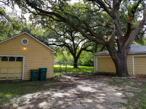 Homes For Sale In TX La Marque 77568 – Holly 2BR Backyard