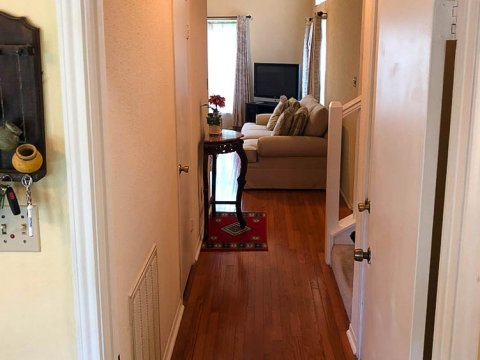Homes For Sale In TX Friendswood 77546 – Killarney 3BR Hallway