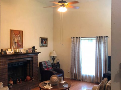 Homes For Sale In TX Friendswood 77546 – Killarney 3BR Living Room 2