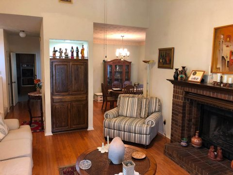Homes For Sale In TX Friendswood 77546 – Killarney 3BR Living Room