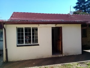 We buy houses fast Soweto