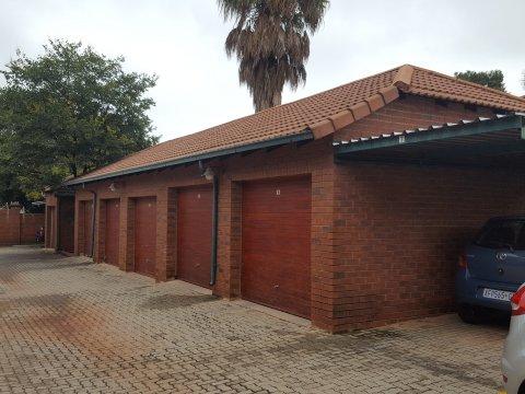 7 Rondebosch, Constantia Kloof 3