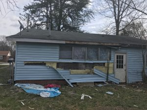 Selling a house that needs work - house needs tlc