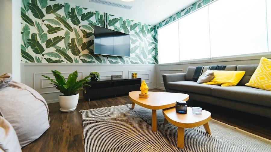 house selling tips in Cincinnati OH - staged living room