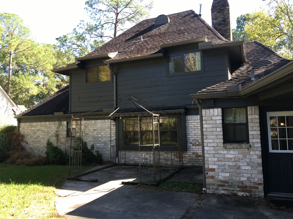 Call now before it's gone! This 4/2.5 home for sale in 77066 is beautiful and move-in ready! Large bedrooms, granite countertops, tile and hardwood floors!