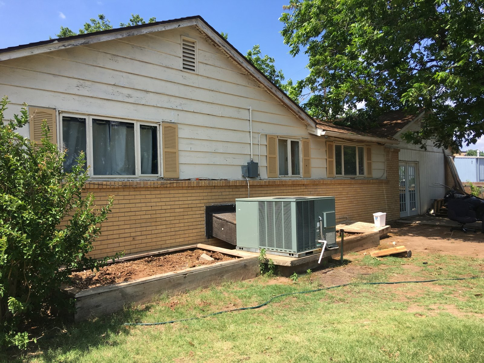 Spacious Flip or Rental in Midwest City Oklahoma-2520 Murray Drive