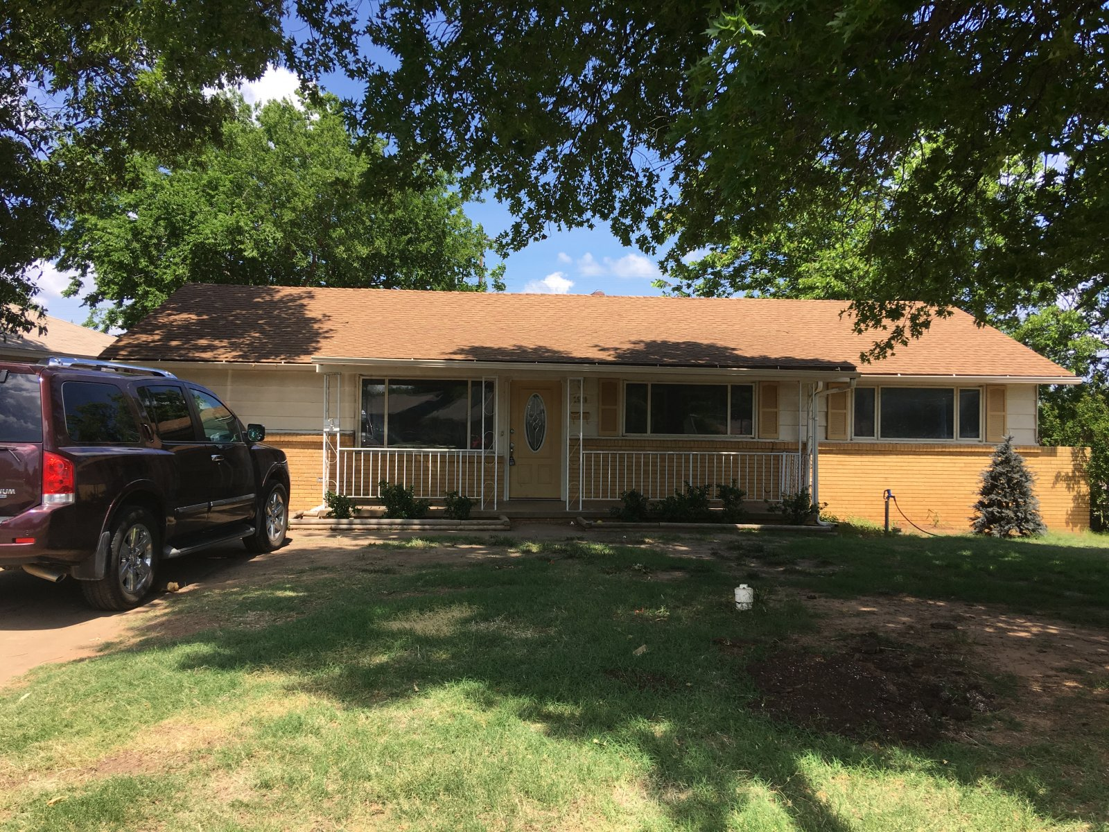 Spacious Flip or Rental in Midwest-2520 Murray Drive