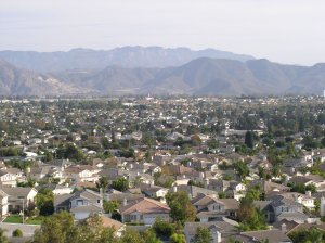 picture of camarillo homes from a hilltop