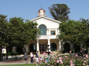 City hall in fillmore california