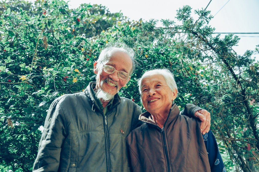 Tips to find the right senior living community