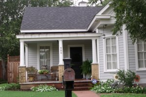 Floresville Tx home for sale - bungalow