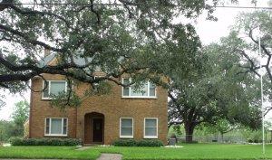 Floresville Tx grand home
