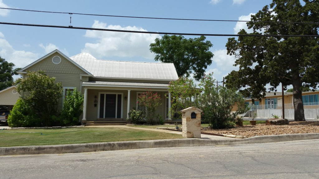 Floresville home for sale - Everything you need to know before moving to Floresville TX