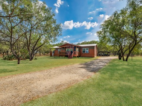 17280 Shady Falls Elmendorf TX home for sale