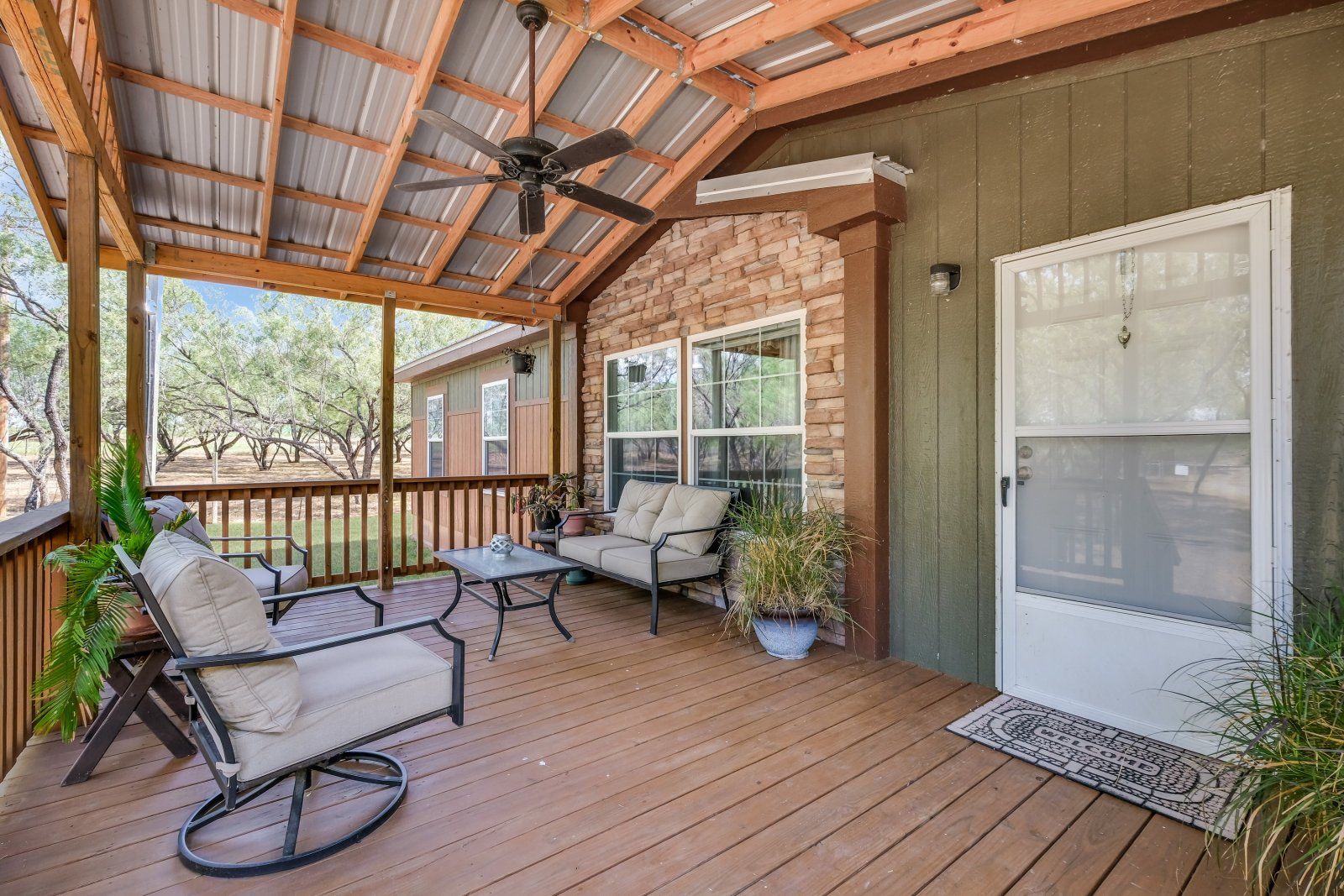 Home for Sale entry deck - Floresville Real Estate Agent