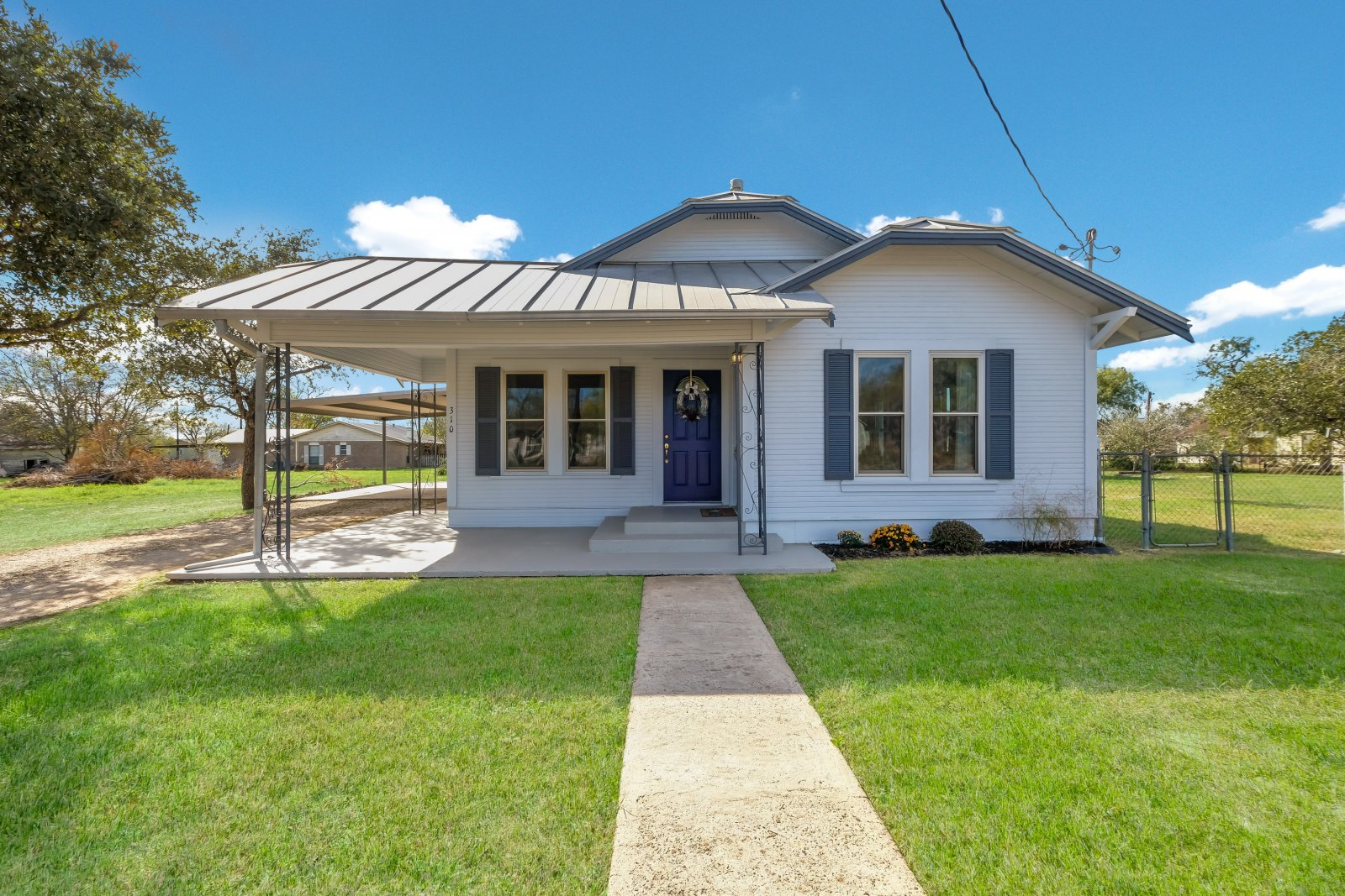 Home for sale Poth Tx