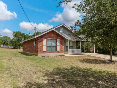 1293 A St -Floresville Home for sale