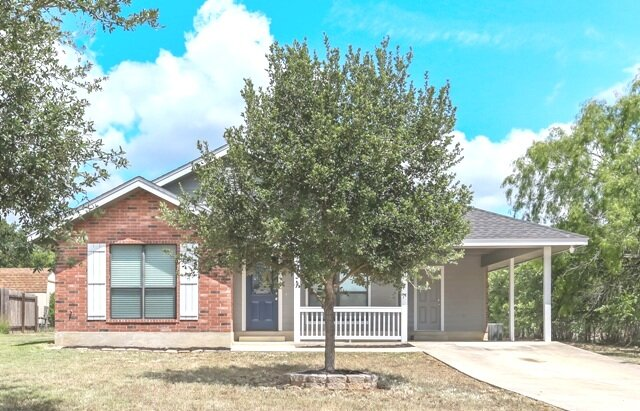 Floresville Tx - home in city
