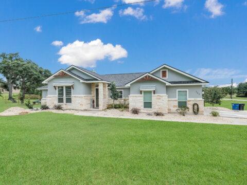 109 TrailBoss La Vernia Tx home for sale