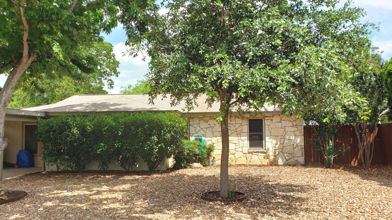 1415 Longhorn Floresville TX home for sale