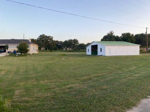 109 Trail Boss La Vernia TX home for sale shop