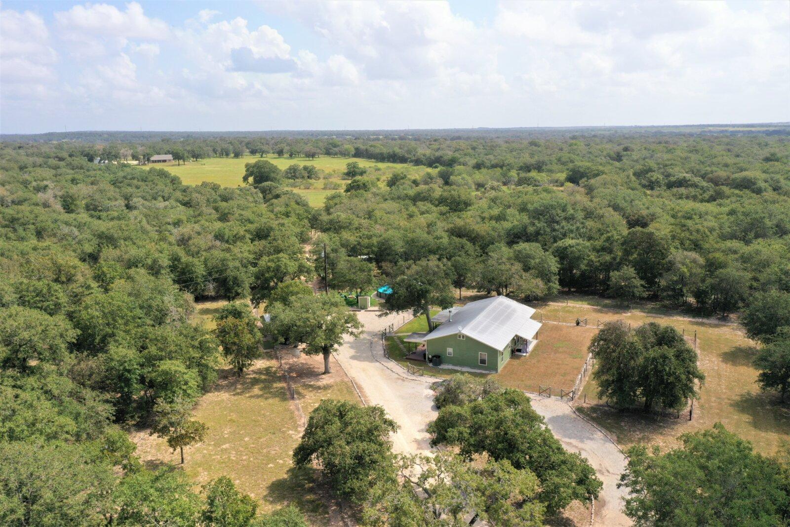 981 Wild Rose Ln Stockdale TX for sale