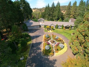 Melrose Roseburg luxury home for sale - G Team