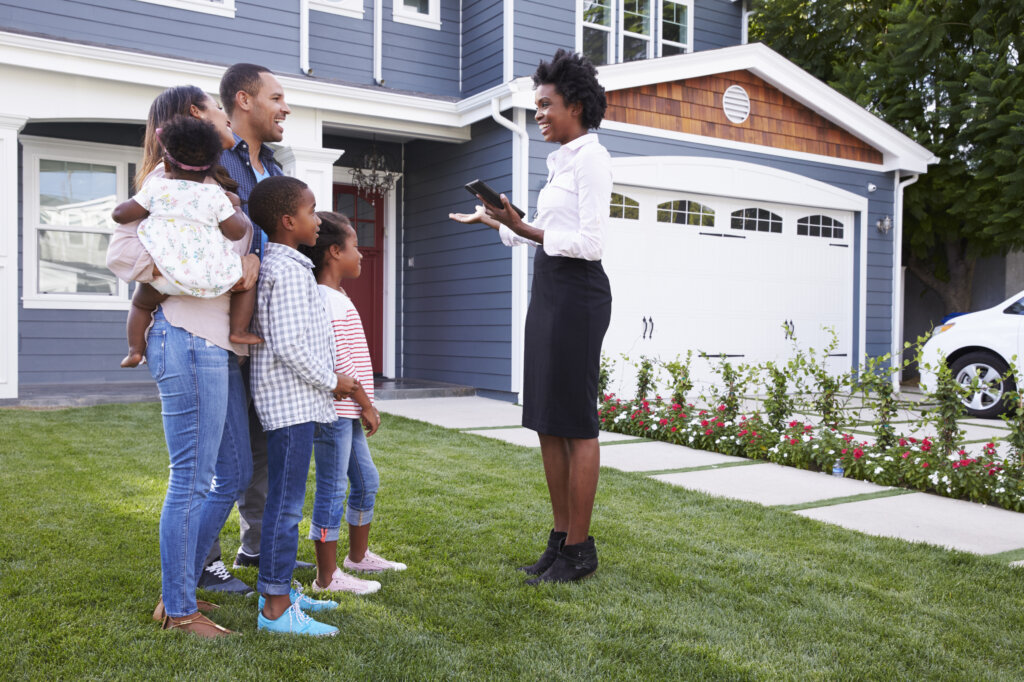 How to Sell An Inherited House in Omaha and Council Bluffs When There Are Many Heirs Involved