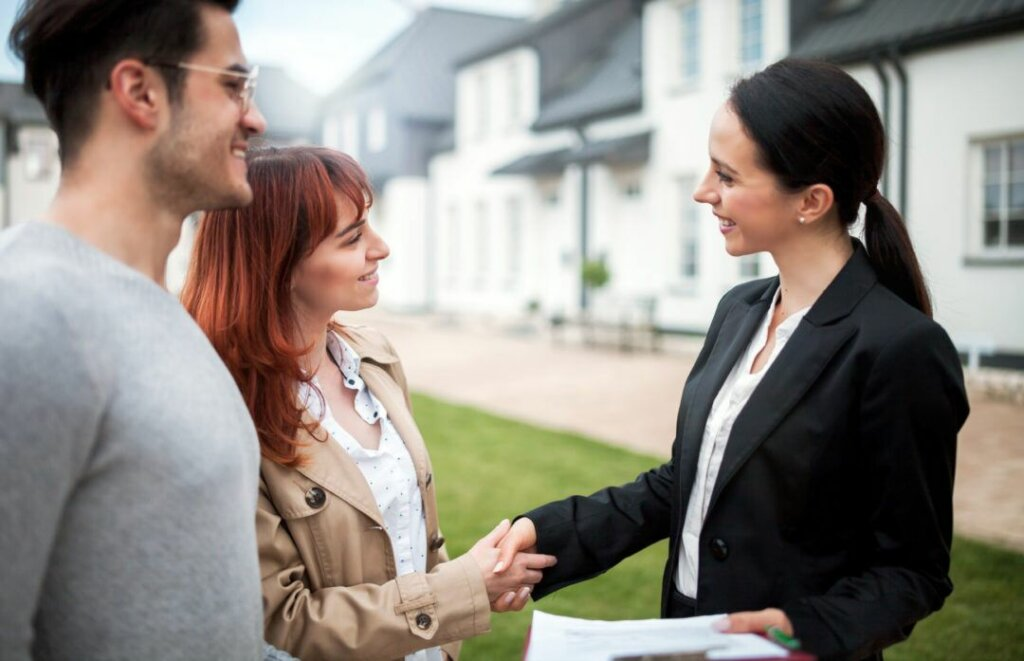 Reasons Why Omaha And Council Bluffs Real Estate Investors Should Also Be Licensed Agents