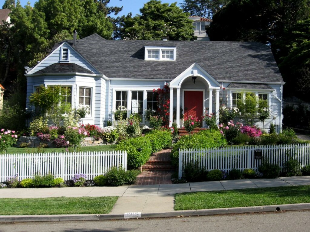 Cost-Effective Landscaping Tips For House Flippers In Omaha and Council Bluffs